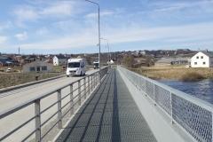 In Kautokeino die Brücke über den Altaelv mit Gitterrosten, damit der Schnee durchfällt