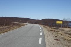 kurz nach dem Start am Morgen: 76 km bis zum nächsten richtigen Ort