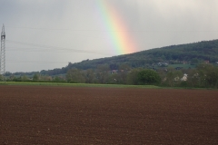 Ein herrlicher Regenbogen nachdem Regen weitergezogen war
