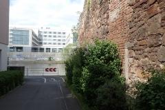 Kassel: Kontrast zwischen Alt und Neu
