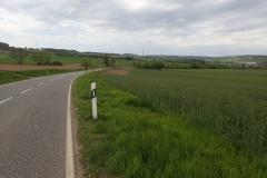 kurze Abschnitte des D9 führen auch über normale Straßen