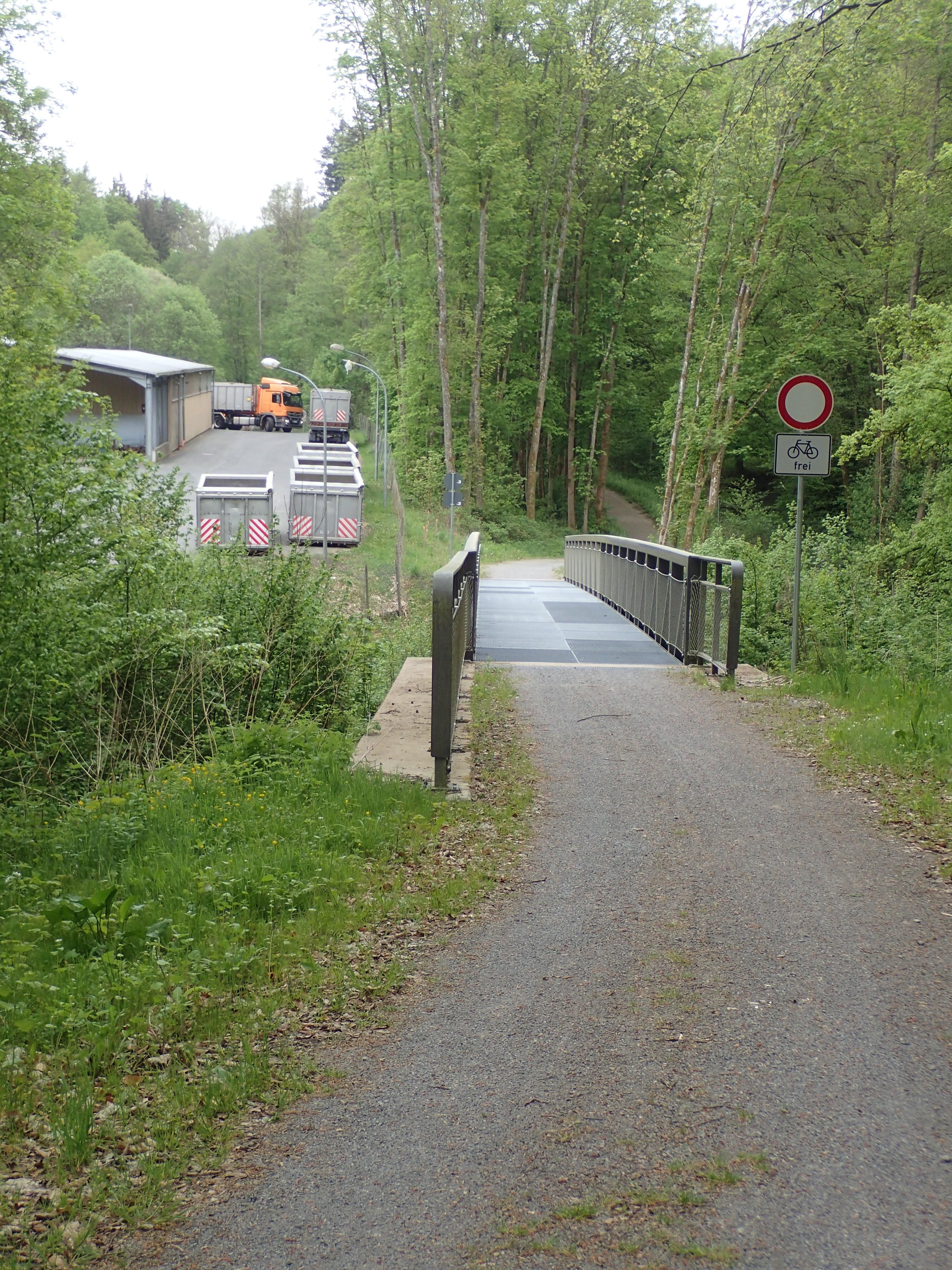 Wegebrücke über die Erf